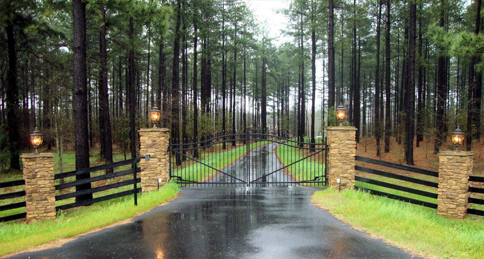 Estate Gate & 4 Rail Fence